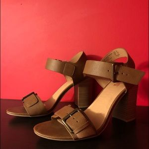 *NEW* Brash Woman's Chunky Tan Sandal